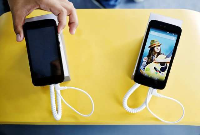 Local smartphone vendors are set to increase prices as the Budget has increased the effective duty on imported handsets.
