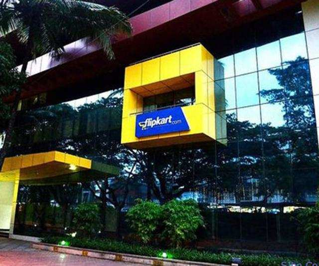 India's largest e-tailer Flipkart has reshuffled  its top-deck.