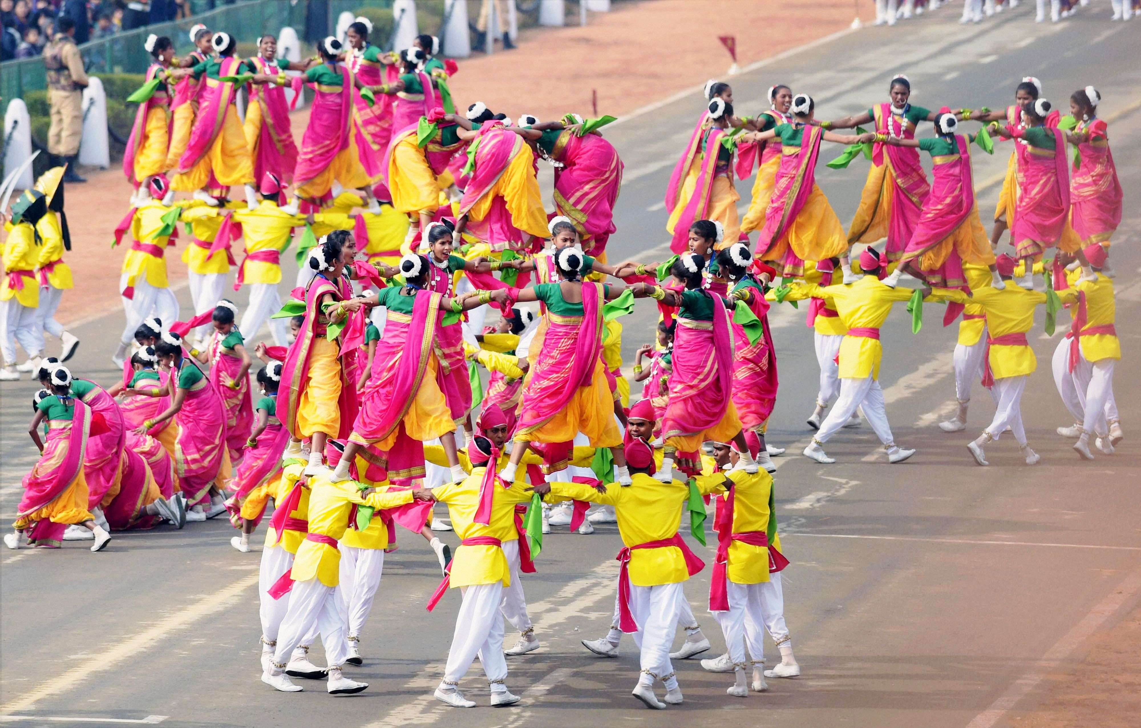 School children perform during the full dress rehearsal for the Republic Day parade at Rajpath in New Delhi. (PTI photo by Manvender Vashist)