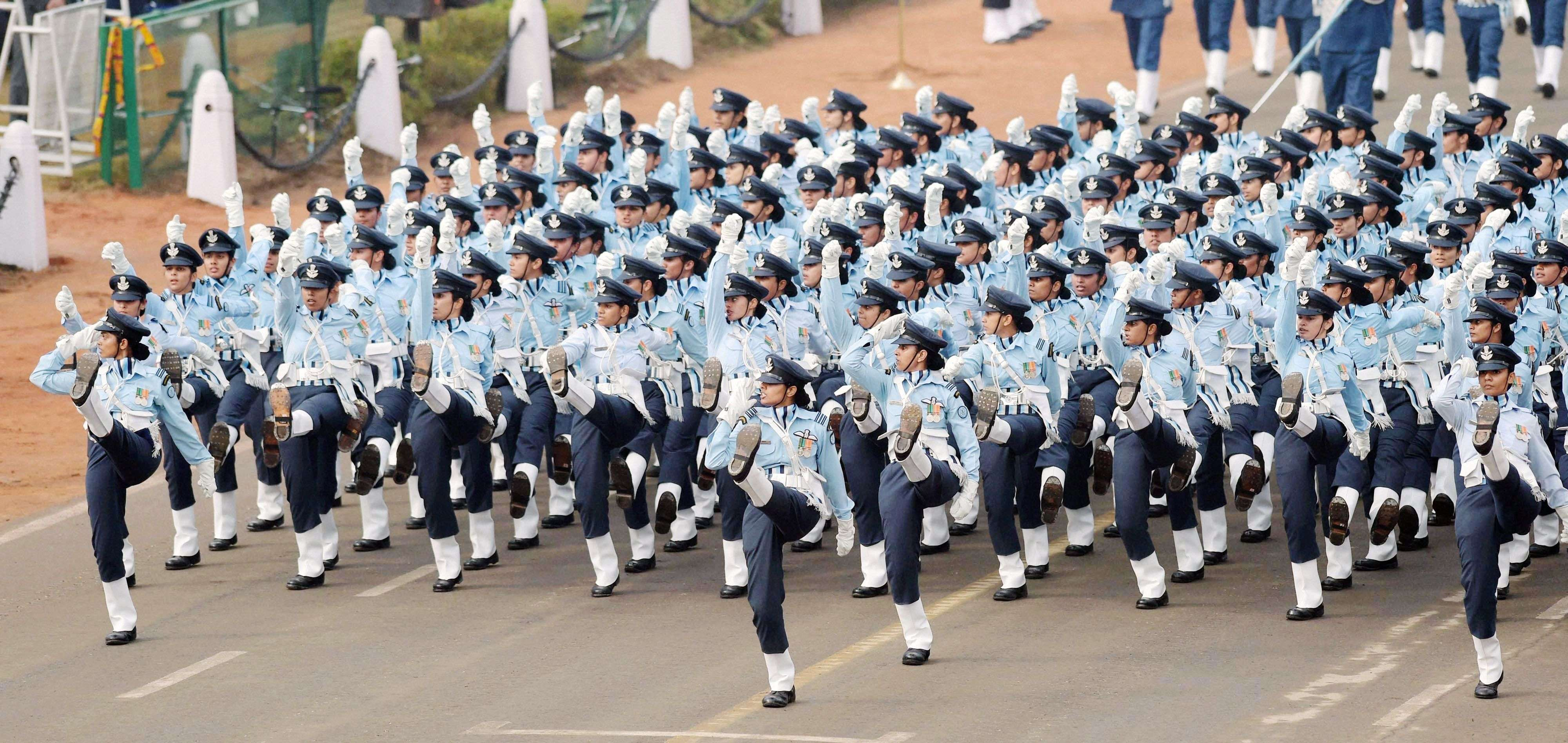 Paramilitary soldiers march during the full dress rehearsal for the Republic Day parade at Rajpath in New Delhi. (PTI photo by Manvender Vashist)
