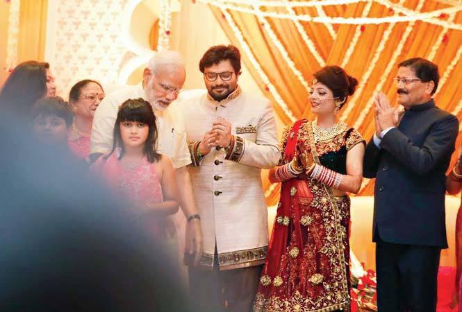 PM Narendra Modi with Babul Supriyo and Rachna Sharma