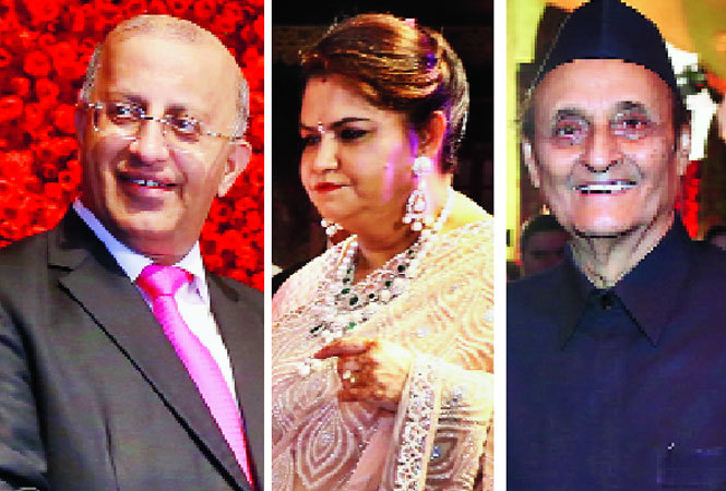 (L-R) Surinder Mehta, the groom's father, Archana Mehta, the groom's mother and Karan Singh (BCCL)