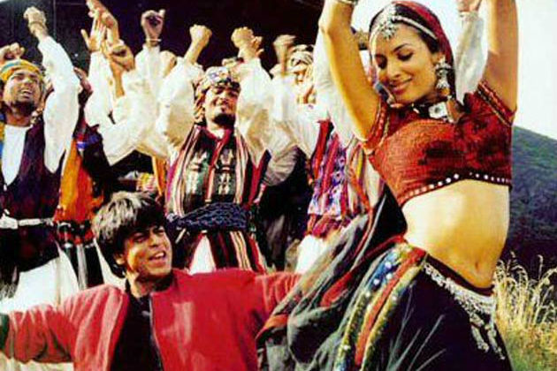 Shah Rukh Khan and Malaika Arora in Chaiyya Chaiyya