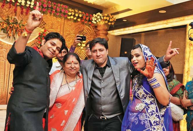 Ankit,-mother-Suman,-brother-Ankur,-sister-in-law-Swati