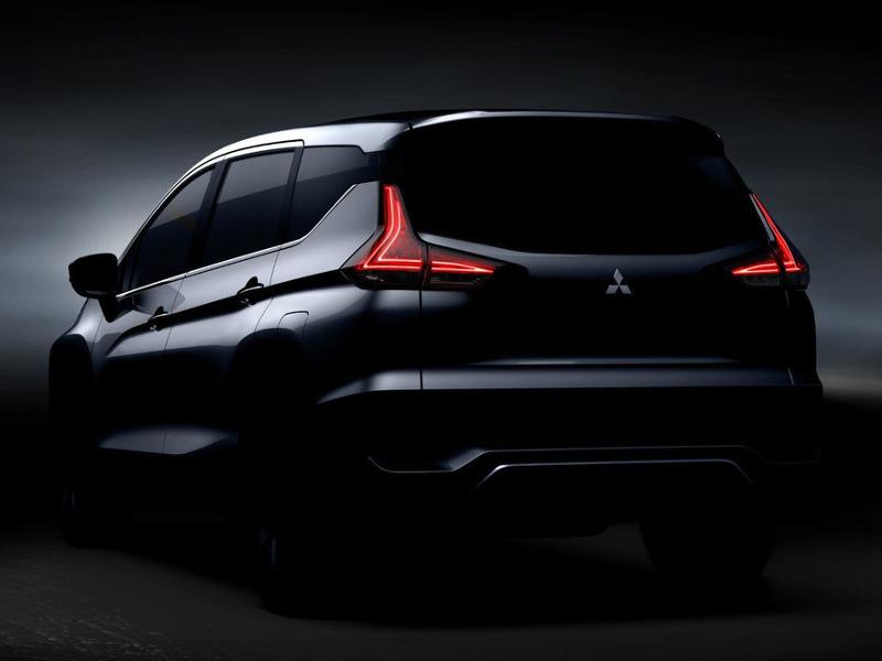 Mitsubishi Expander rear