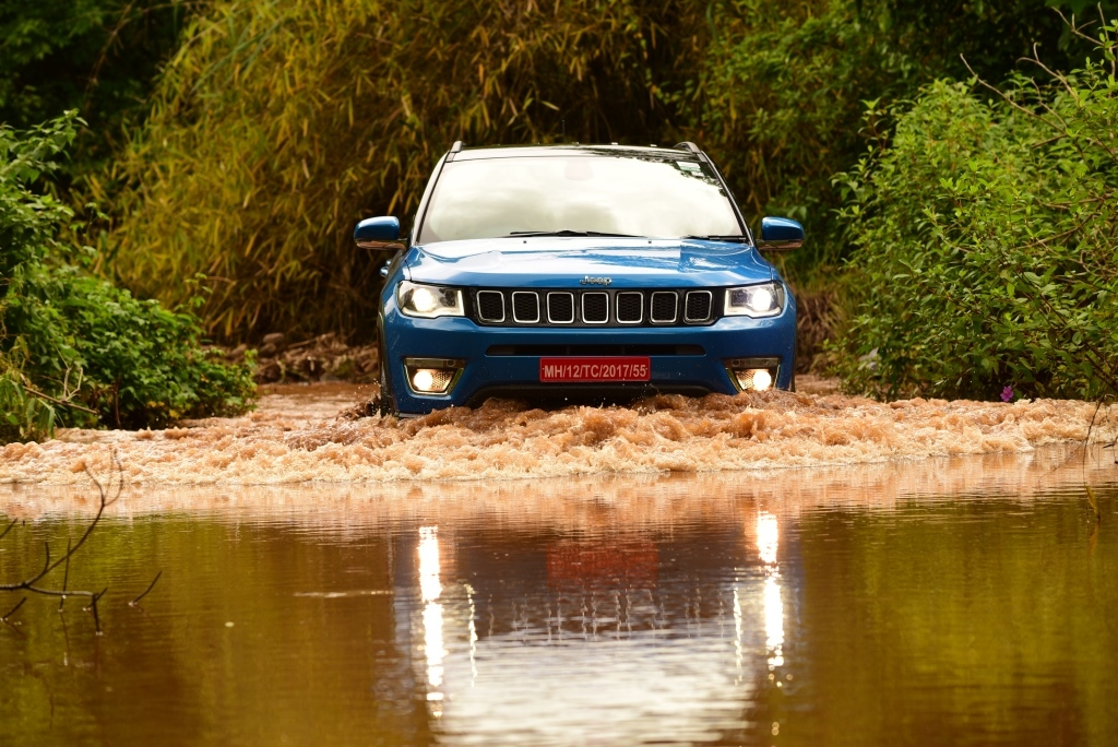 Jeep Compass off road