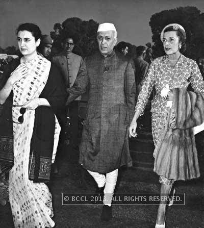 Nehru with daughter Indira Gandhi (extreme left)
