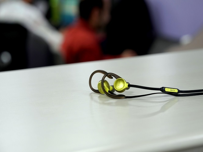 Samsung Samsung Level Active Wireless Headphones Review Packs A Punch Gadgets Now