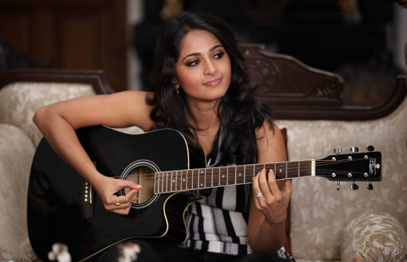 Hot and Sexy Photos: Anushka Shetty Image From a photo shoot
