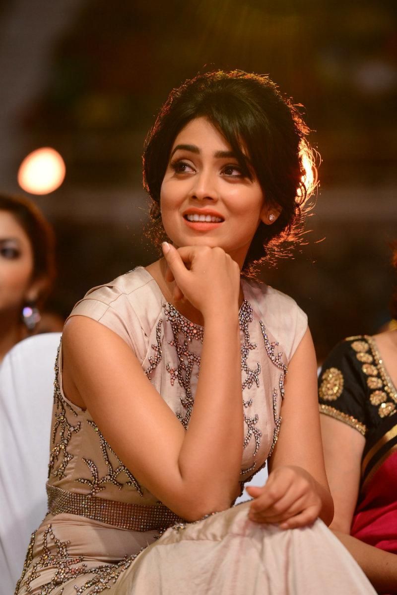 South Actress ki hot photo: Shriya Saran looking beautiful at an event