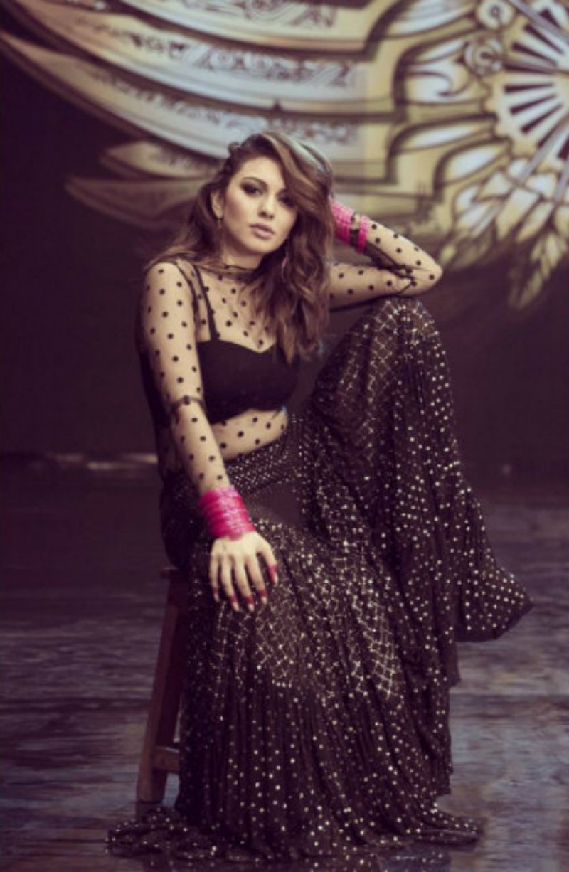 Hansika Motwani Hot Images in black dress during a photo shoot xxx
