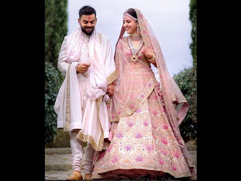 Virat and Anushka wedding outfit photos images pictures