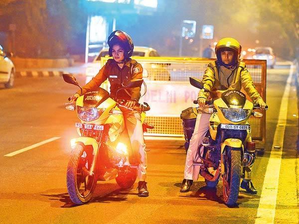 DT-P1-Delhi-Women-Cop-RAN_1016