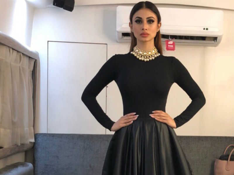 Mouni Roy looks stately in this one