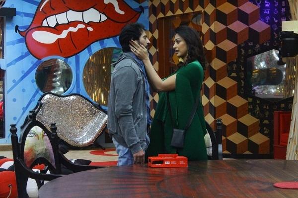 Hiten and Gauri in Bigg Boss 11