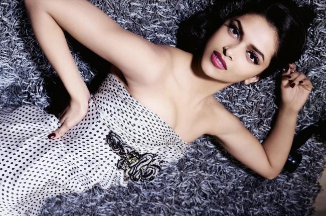 Deepika padukone Sexy pics
