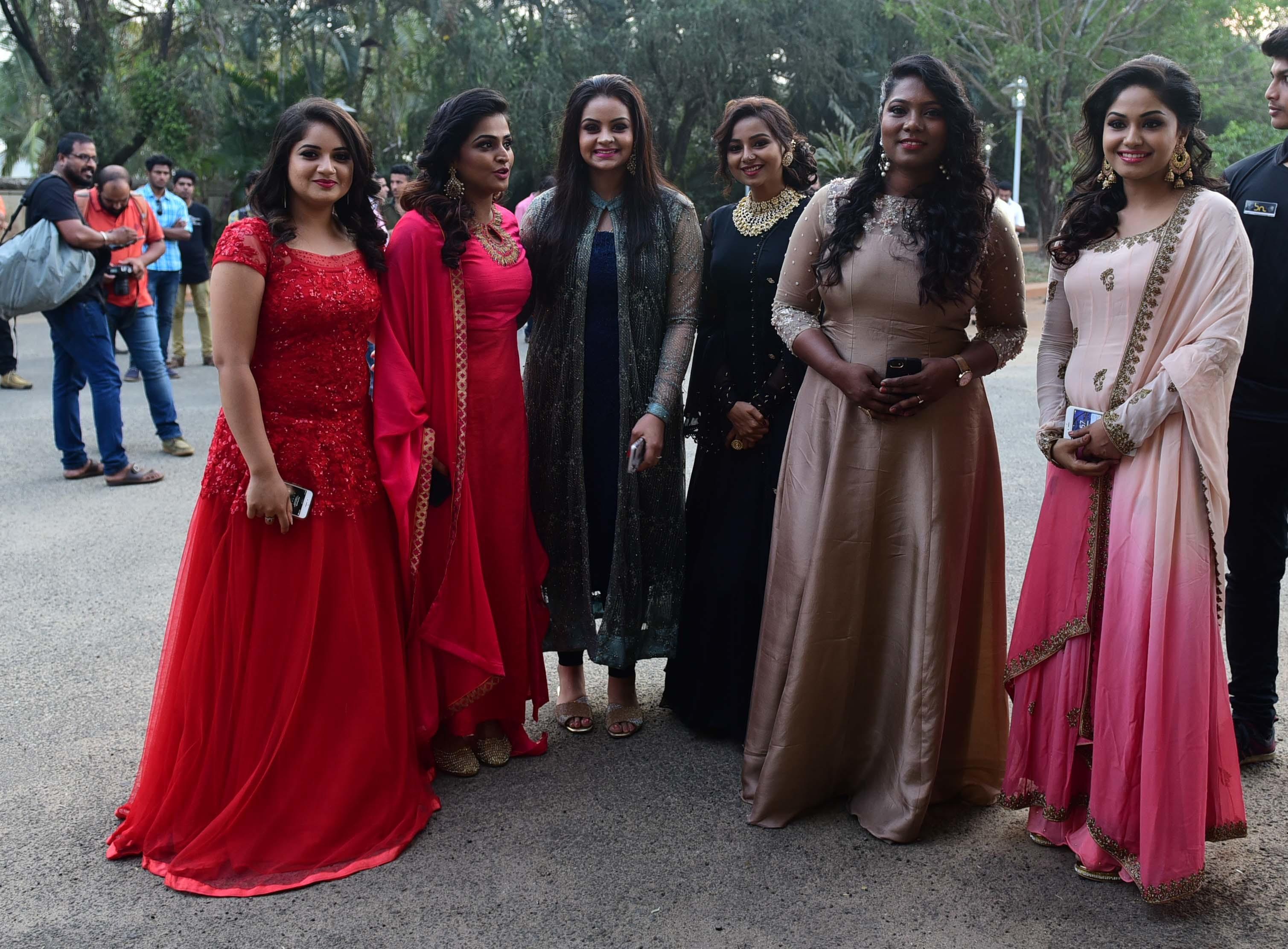 Bhavana Naveen wedding reception photos 2