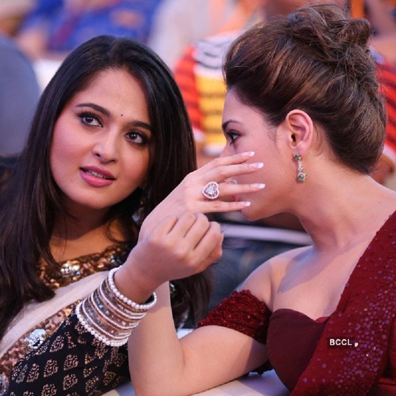 Anushka Shetty and Tamannaah Bhatia Photo xxx