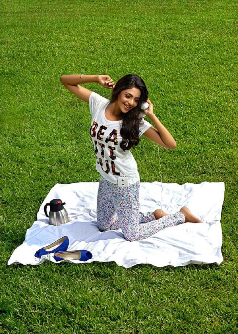 Aishwarya Lekshmi Sexy HD Pictures xxx