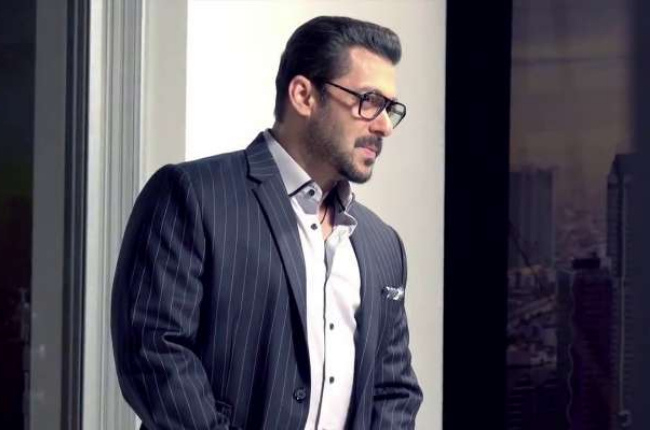 Salman khan in sexy photo sunglasses