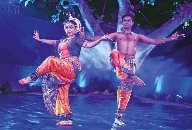 Odissi-Vrinda-Chadha-and-Kevin-Bachchan