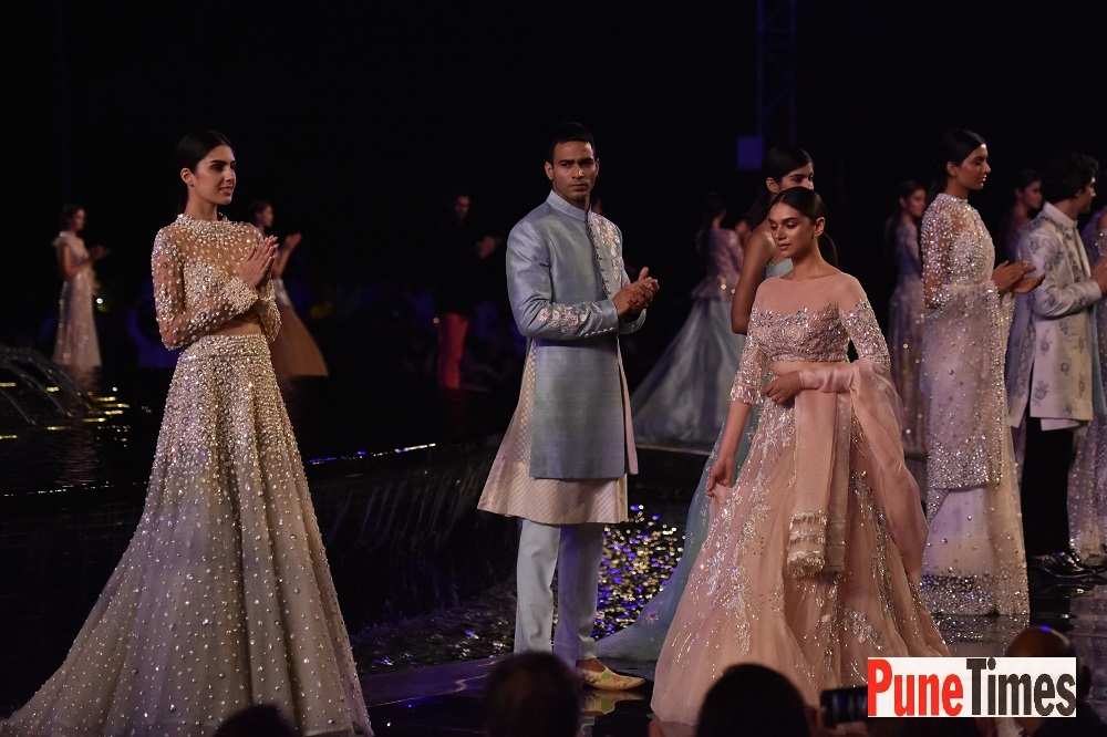 Aditi Rao Hydri walked ramp for Manish Malhotra summer2018 collection preview, in Pune (1)