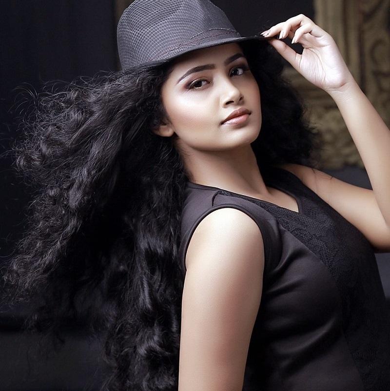 Anupama Parameswaran Photos Hot  Sexy Images  Video Of Anupama Parameswaran  Hd -2029