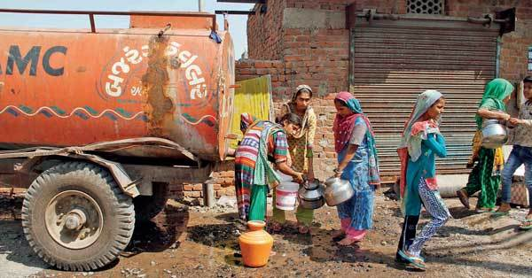 Residents of Citizen Nagar, who live behind the dumpsite, receive just 6,000 litres of water a day