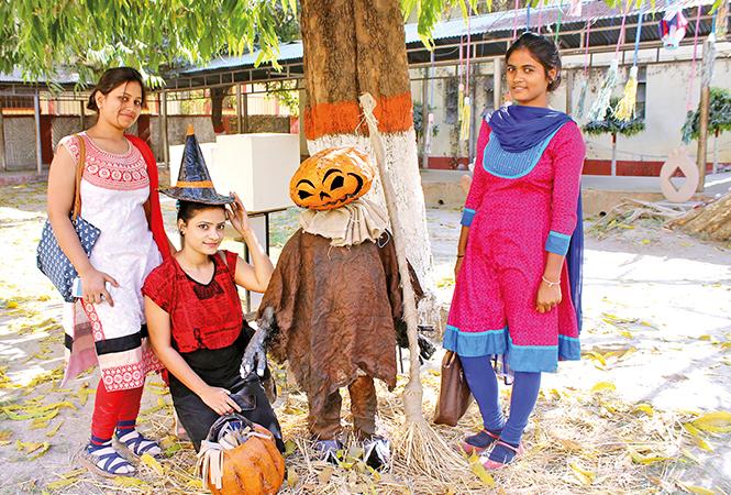 (L-R) Madhuri, Aastha Pathak and Aastha Verma (BCCL/ Arvind Kumar)