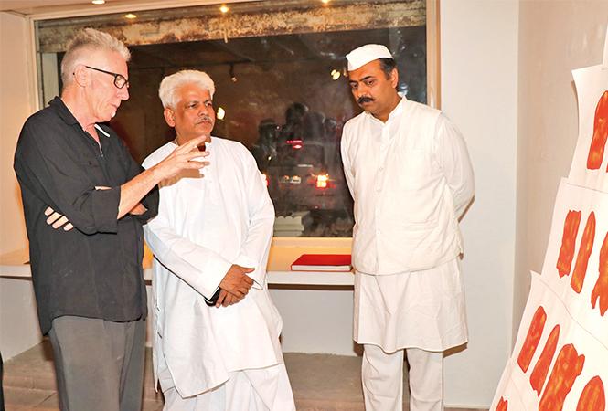 (L-R) Terry Burrows, Mahanth Prof Vishwambhar Nath Mishra and Navneet Raman (BCCL/ Unmesh Pandey)