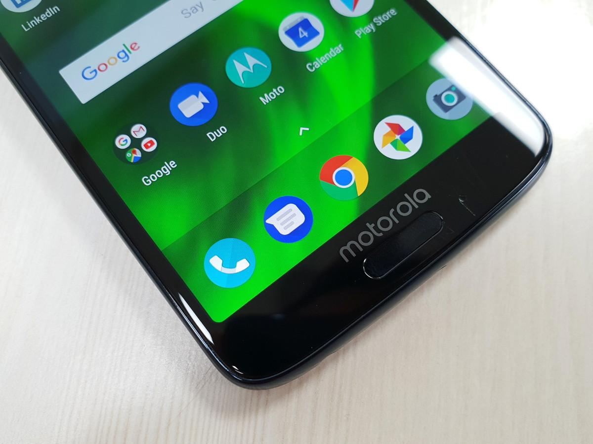 Moto G6 Review: Good Looks, Decent performance | Gadgets Now