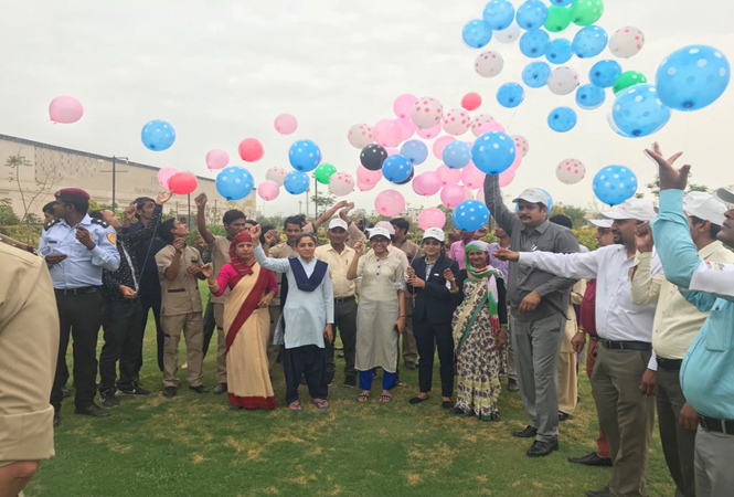 Balloon flying to mark Global Exhibitions Day celebrations in Jaipur