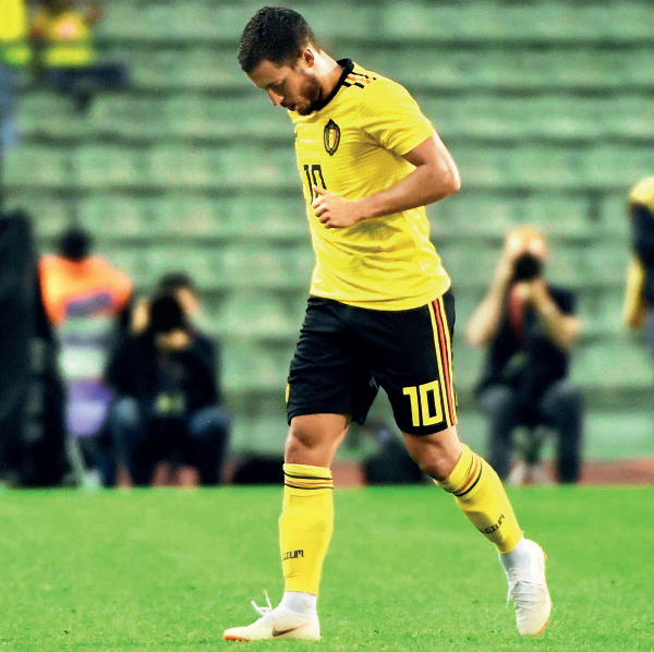 Eden Hazard leaving the field after an injury during a friendly match against Costa Rica