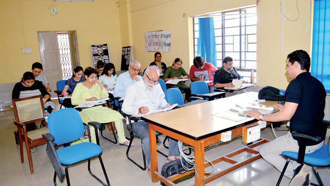 A Persian language class in process at Deccan College