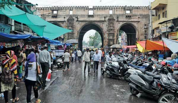TEEN DARWAZA: Heritage lovers have expressed concern over hawkers that crowd Teen Darwaza. Once the city's most important gate, today it is hardly visible among the squatters that have taken over the space. Pollution caused by heavy traffic is taking a toll on the structure even as the crafted jharokhas in the walls are used as shops and parking space for vehicles.