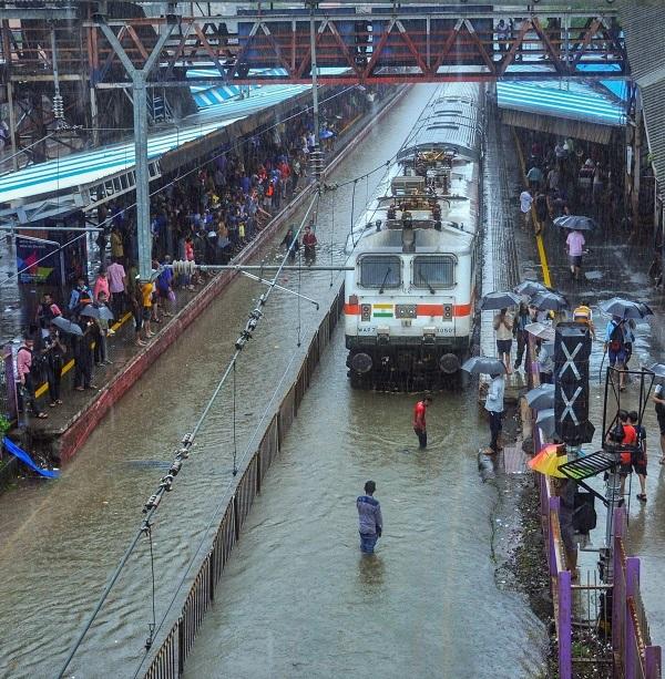 Nalasopara station on Tuesday. Photo: PTI