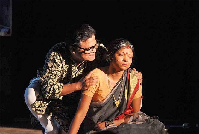 Vibha Rani and Swaram Upadhay in a scene from Ao Tanik Prem Kare (BCCL/ Arvind Kumar)