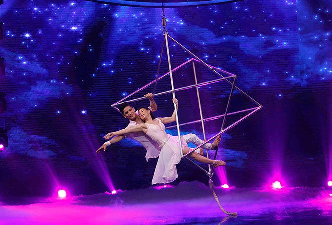 Nisha-and-Tara-performance-2