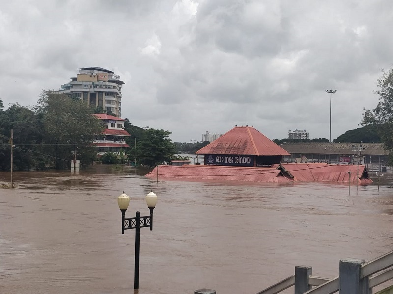 kerala rain2  18 killed in landslides and heavy rains in Kerala | Thiruvananthapuram News Master
