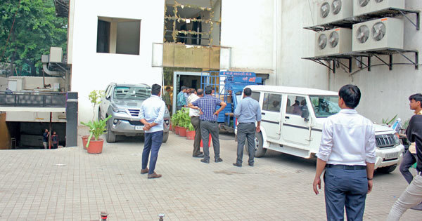 Divisional Fire Officer Mithun Mistry had given the building a clean chit on March 20, this year; Pic: Nilkanth Dave