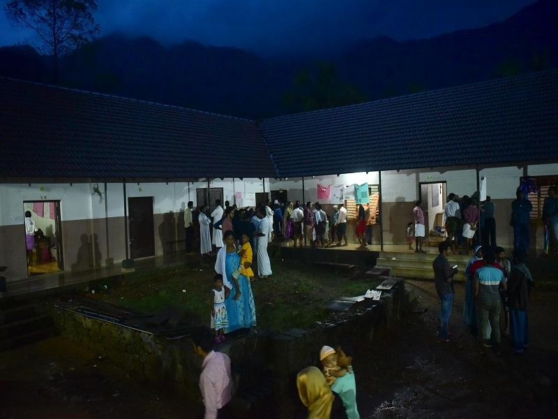 kerala 2  Kerala floods: Thousands in relief camps stare at bleak future | Thiruvananthapuram News Master