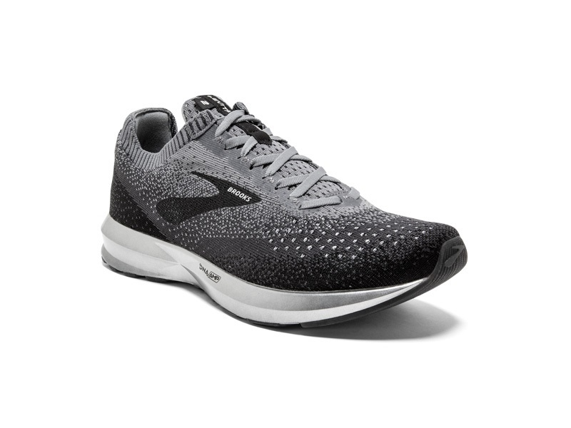 more photos a3c6e fb275 sneakers Sneakers for Men Best sneakers for men who take spo