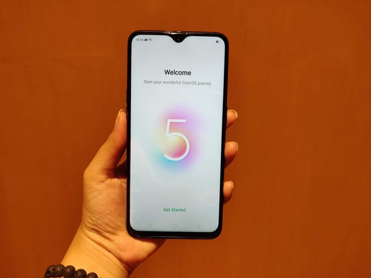 Oppo F9 Pro Review: Mix of style and substance | Gadgets Now