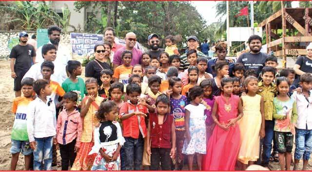 Seventy-five children of ragpickers from the Mulund dumping ground had a blast at Dadar beach with former cricketer Vinod Kambli on Sunday;
