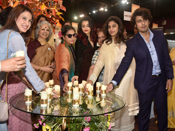 (L-R)-Amrita-Raichand,-Mohana-Nair,-Shabana-Azmi,-Aishwarya-Rai-Bachchan,-Pinky-Reddy,-Sonu-Nigam-at-the-IMC-WE-Exhibition-2018