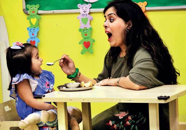 Saisha Bali hates tendli so her mother Dipti decided to feed her vegetable purees and she got used to the taste