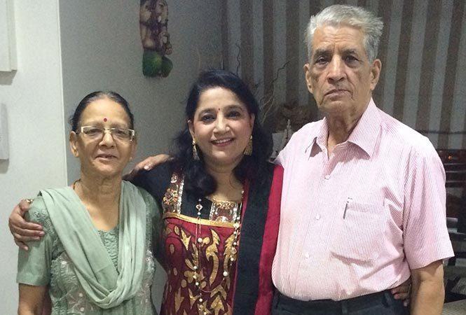 kavita-with-parents