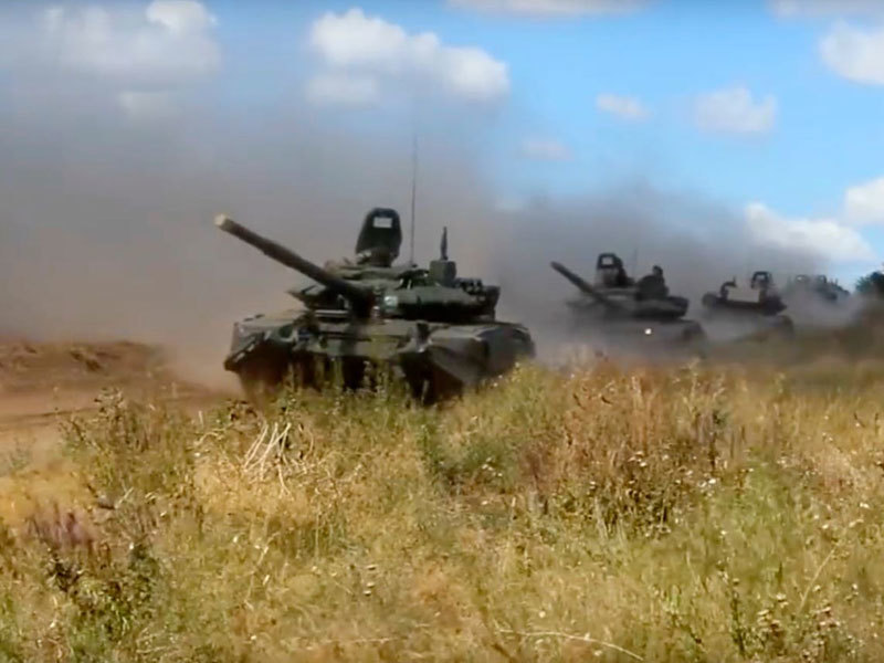 tank1  Russia launches biggest ever war games Master