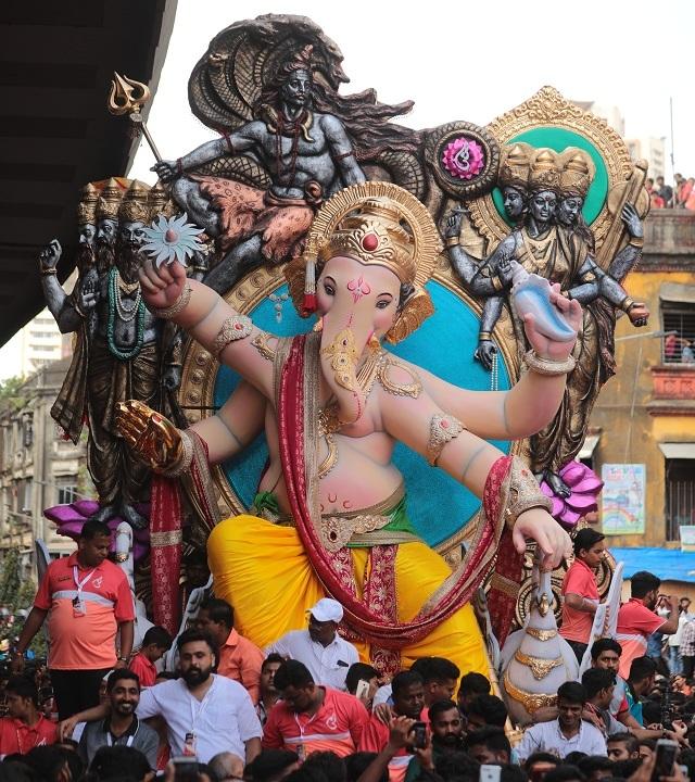 A closer look at the Ganesha idol