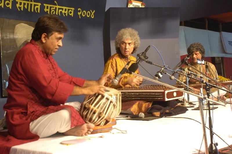 File Photo of Pandit Shivkumar Sharma at Sawai Gandharva festival